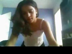 desi girl dancing NRI