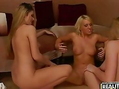 Bitchy Aspen Stevens enjoys playing pussies on the couch with her naked friends