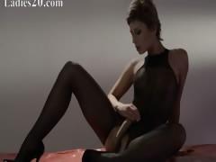 Hot princess in pantyhose masturbate