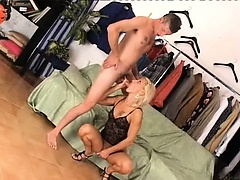 Amateurs fuck and fisting hard