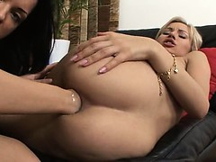 This hot blonde loves brutal bum fist