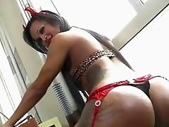 Curvaceous shemale Andressa Lyra fucked