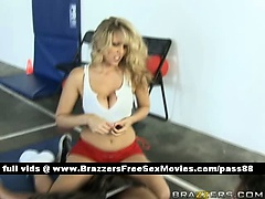 Mature blonde babe on the floor gets a blowjob