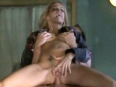 Floozy receives jizz on her tits after double penetration