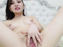 Slutty Japanese Chick Masturbate Hard on Cam