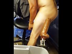 Fucking ass with machine analfunner