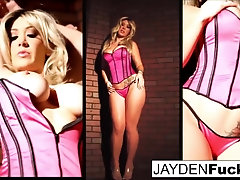 Jayden Jaymes Displays Her Unbelievable Forms