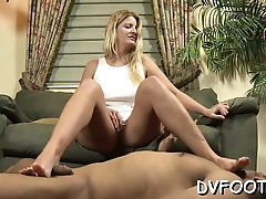 Raunchy beauty Robbie gets lanced by big shaft