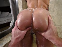 kitty caprice gets her ass worshipped in the shower