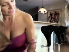 Cougar mom gives a sucking lesson
