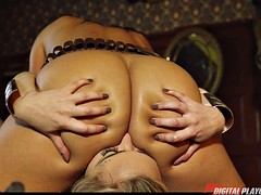 Two super hot sexy lesbians experts ass licking