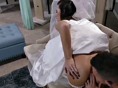 Dzhuels ventura rides her anal on top of dzhonni kasl