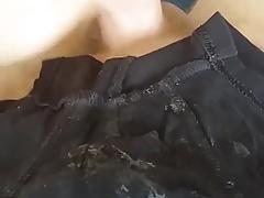 Spritzen auf vollgewixte Shorts