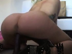 Sexy Tatted Blonde MILF Fucks her Dildo On Cam