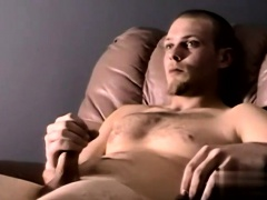 Long haired gay boys twinks Sexy Taz Busts His Second Nutt