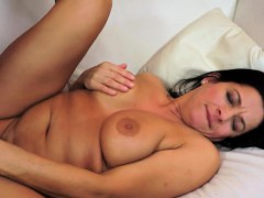 Bigtit granny pussyfucked on the couch