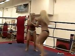 Blonde wrestlers have sex