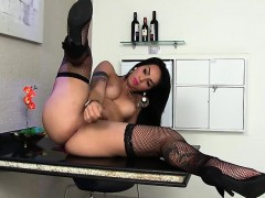 Sexy shemale Nicolly Pantoja plays with herself