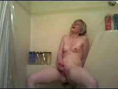 Amateur Masturbation in the Shower